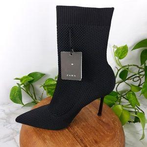"""NWT Zara Trafaluc """"sock"""" booties"""